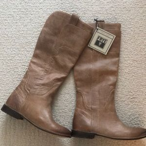 NWT Frye Paige Riding Boots in Tan